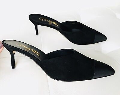 $800 17P CHANEL BLACK SUEDE MULES SLIDES SHOES CC LOGO HEELS SIZE 35.5