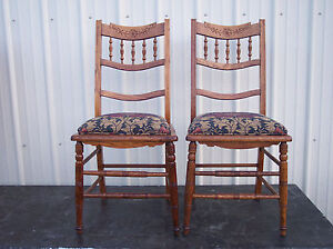 Pair-of-Oak-Carved-Sidechairs-Dinette-Chairs-SC165