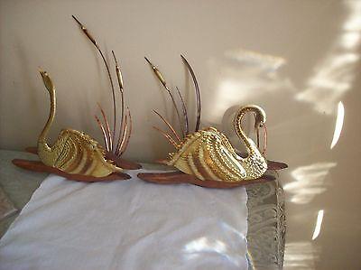 Beautiful Swan Wall Hangers Vintage