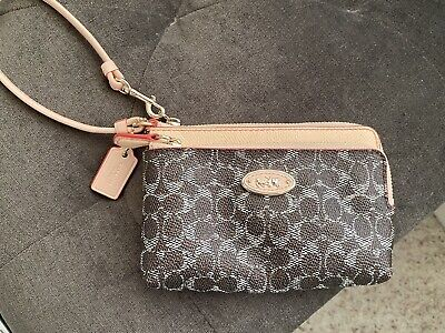 Authentic Coach wristlet ,wallet clutch ,Double Zipper
