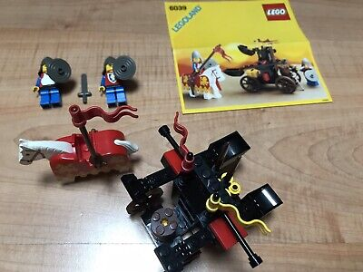 Lego vintage castle 6039 Twin Arm Launcher complet instructions en très bon état
