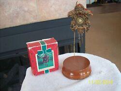Hallmark Keepsake 1984 Old World Cuckoo Clock In Original Box
