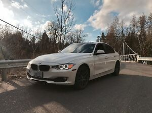 2012 BMW 320i Sport Pkg (Xenon, Navi, M-Wheels) NEEDS REPAIR