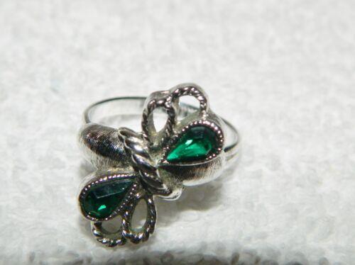 Sarah Coventry Silvertone Bow Ribbon w Deep Green Stones Adjustable Costume Ring