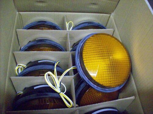 Leotek Traffic Light Lamp YELLOW Color TSL-08Y-LX-IL6-A1-P2 CASE OF TEN LAMPS