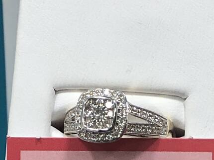 Engagment ring 9ct white gold with.50ct diamond