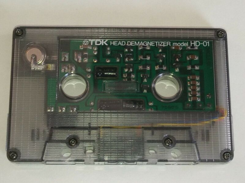 Working TDK HD-01 Cassette Head Demagnetizer,changed new battery and tested.