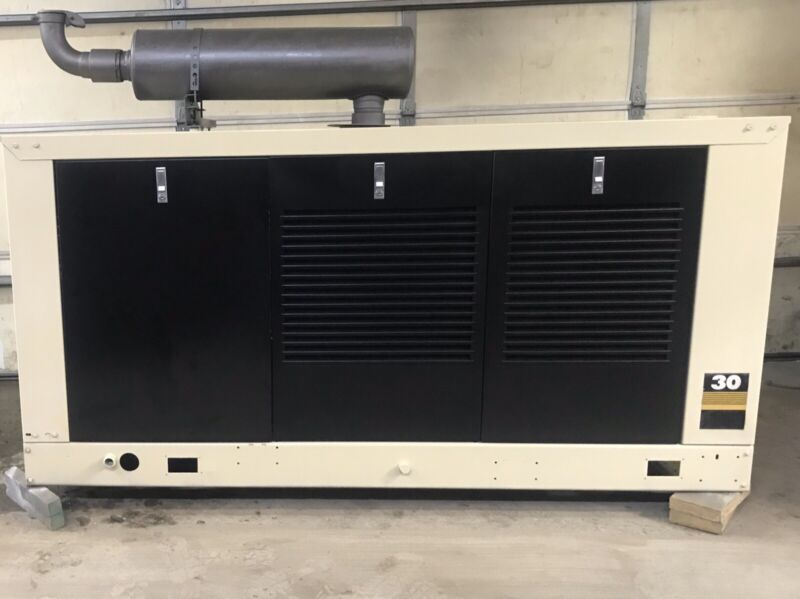 30 KW GENERATOR KOHLER PROPANE / NAT GAS ENCLOSED 400 HRS 120/240 RE-CONNECTABLE