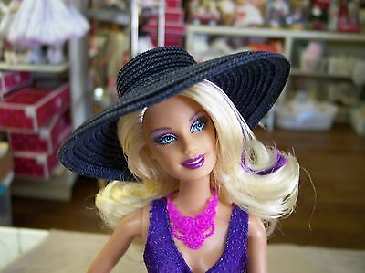 NEW CL18 RESIN BARBIE SUN OR FASHION  WIDE BRIM HAT FORM MOLD HEAD  4 2/8 on Rummage