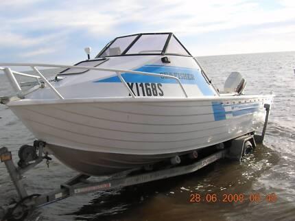 1989 Quintrex Sea Fisher 5.2