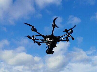 Yuneec Typhoon H Pro mit CGO3+ und Intel Real Sense 4k Drohne mit viel Zubehör