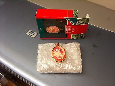 MINT IN BOX  HALLMARK KEEPSAKE CHRISTMAS ORNAMENT MOTHER HANDCRAFTED CAMEO