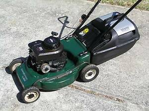 Victa 4 Stroke Briggs and Stratton Lawnmower Lawn Mower Yanchep Wanneroo Area Preview