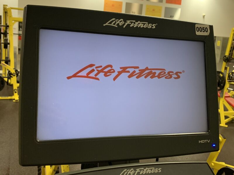 """LIFE FITNESS ATTACHABLE HDTV SCREEN 17"""" (USED) (MONITOR ONLY)"""