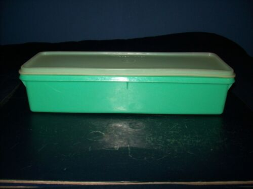 VINTAGE TUPPERWARE SMALL PRODUCE CELERY KEEPER LID JADITE GREEN GOOD CONDITION