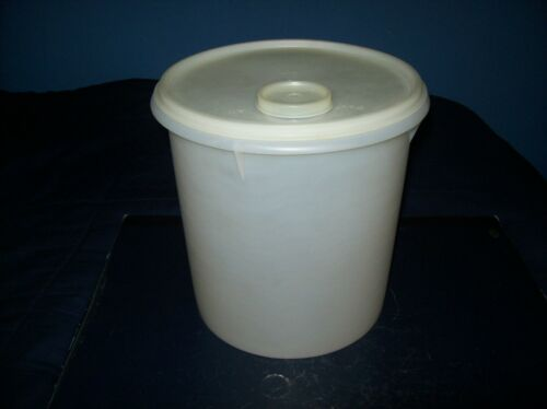 """VINTAGE TUPPERWARE CLEAR 7 1/2"""" ROUND CANISTER CONTAINER WITH SEAL LID"""