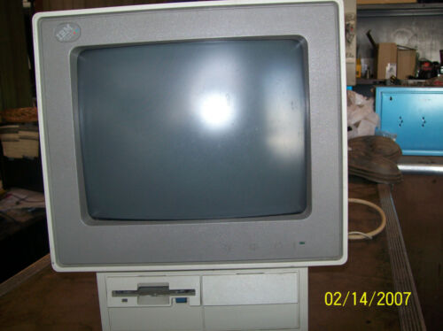 IBM PS/2 TYPE 8525 MONITOR - USED