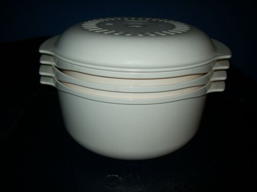 VINTAGE TUPPERWARE 3 QT TAN MICROWAVE STEAMER COOKER LID 4 PIECE GOOD CONDITION