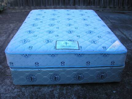 Queen size Bed (Can Deliver)
