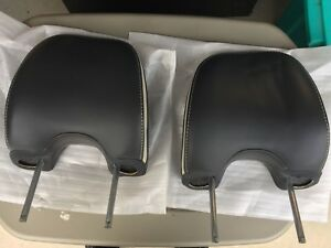 2008 Volvo XC90 front seat head rests