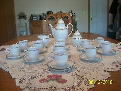 Winterling Bavaria Kirchenlamitz Porcelain China 26 Piece Tea Set Scroll Gold