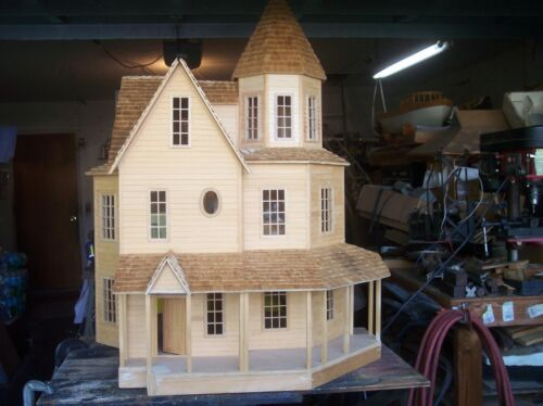 large doll house     pickup only