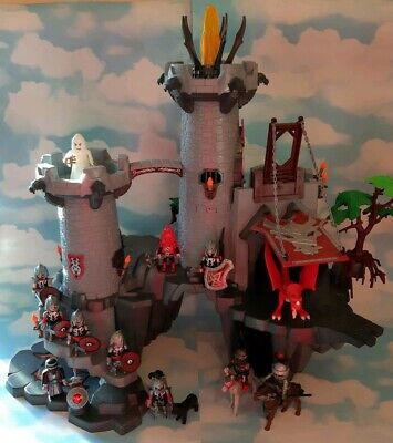 Playmobil 4835 Great Dragon Castle, Knights and Accessories.