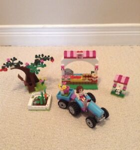 LEGO FRIENDS set 41026 Sunshine Harvest $15