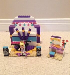 LEGO FRIENDS set 41004 Rehearsal Stage $15