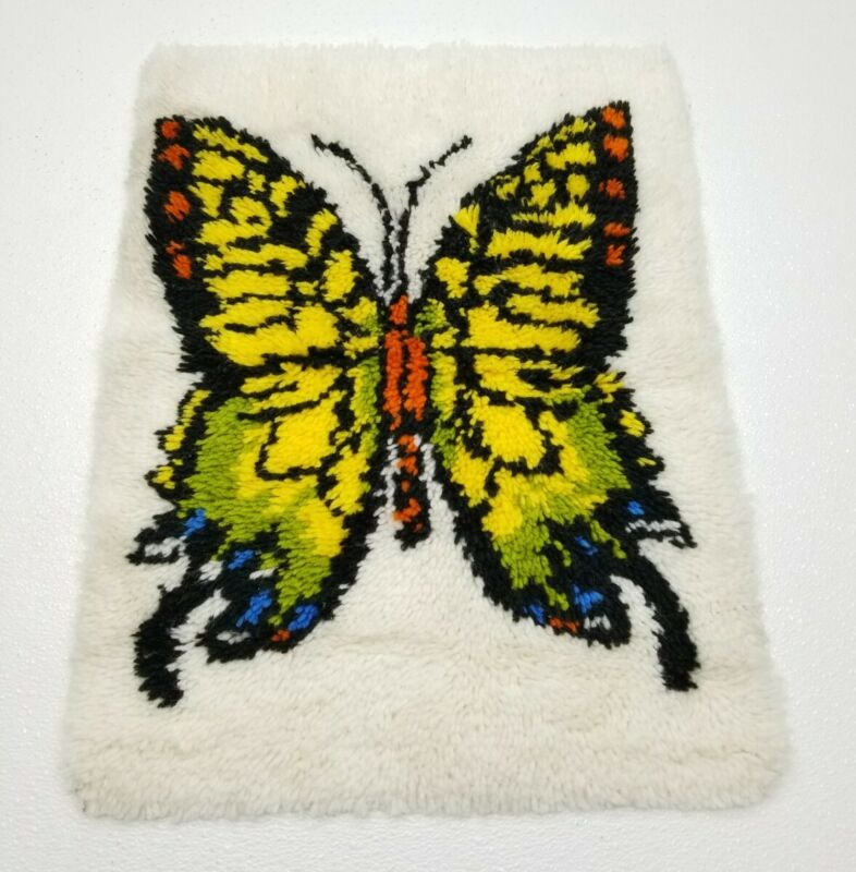 Vintage 70s BUTTERFLY Latch Hook Rug White Shag Wall Hanging 26 x 20