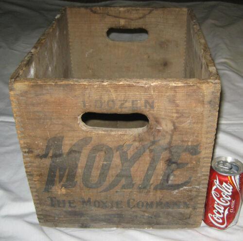 ANTIQUE BOSTON MASSACHUSETTS MOXIE SODA WOOD CRATE BOX BOTTLE HOLDER SIGN ART US