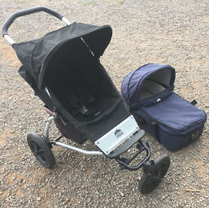 MOUNTAIN BUGGY URBAN PRAM  WITH BASSINET Smeaton Hepburn Area Preview