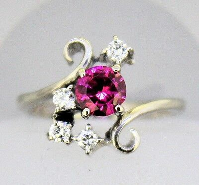 (CREATED RUBY SOLITAIRE & .16 ct DIAMOND RING SOLID 14 KW GOLD 5.0 g SIZE 6)
