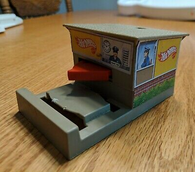 Hot Wheels 1984 Security Booth Track Accessory