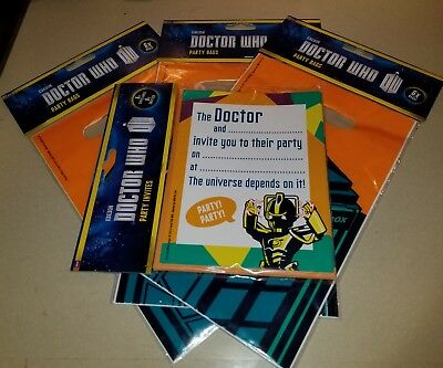 BBC DOCTOR WHO 6 BIRTHDAY PARTY INVITES & 18 LOOT PARTY BAGS TARDIS CYBERMAN - Dr Who Party Supplies