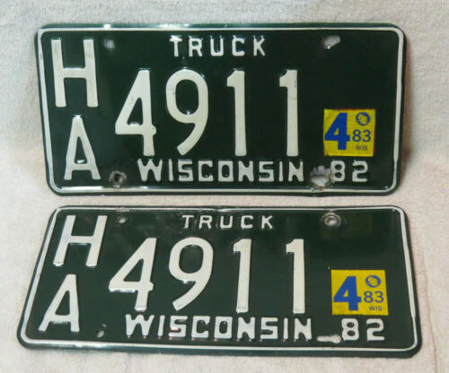 Wisconsin 1982 TRUCK License Plate PAIR Garage Man Cave Bar Pub Wall Green/White