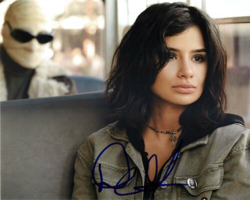 *Crazy Jane* Diane Guerrero Signed Doom Patrol 8x10 Photo EXACT Proof COA