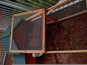 Rabbit Hutch - SOLD PENDING PICK UP. Glenning Valley Wyong Area Preview
