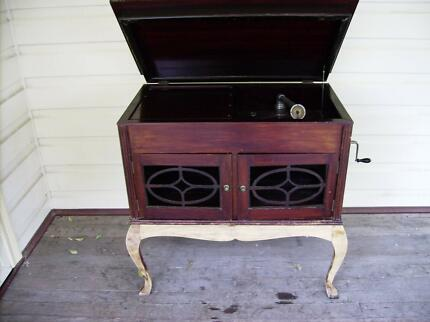 Antique Wind up Gramophone Bellbird Heights Cessnock Area Preview