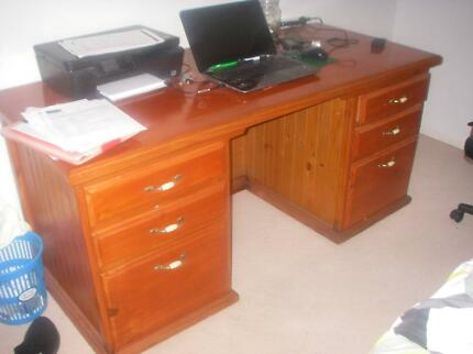 timber office desk. Solid Timber Office Desk