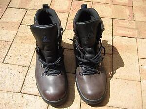 Hiking Boots Size 12 (Men's) Woodvale Joondalup Area Preview