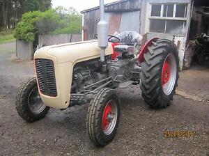 MASSEY FERGUSON 35x TRACTOR x2 Burnie Burnie Area Preview