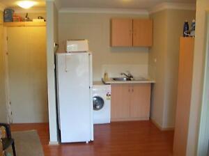 : 1br Unit for Rent - Garran  Only 200m to Canberra Hospital Garran Woden Valley Preview