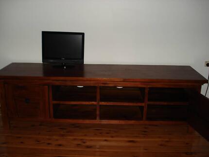 Hard wood TV Entertainment Unit 55mm (W) x 60mm(H) x 210mm (L) Regents Park Auburn Area Preview