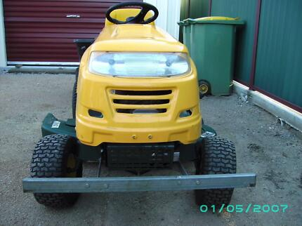 yard man mtd ride on mower 46in cutting deck + tralia Petrie Pine Rivers Area Preview