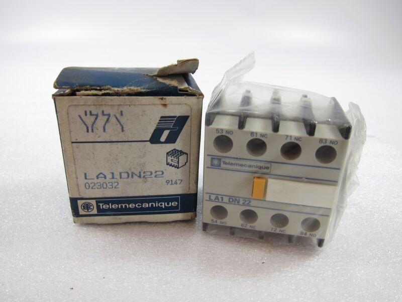 New Telemecanique LA1DN22 Contact Block
