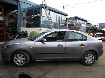 Wrecking 2005 Mazda 3 Sedan