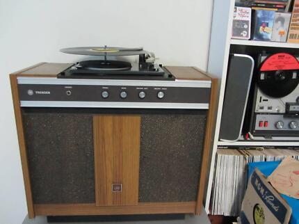 Vintage Hi Fi Turntable AMP & Speakers.