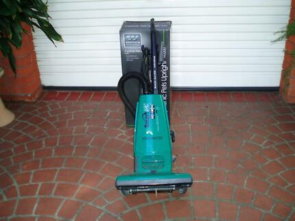 Vacuum cleaner Electrolux smart vac 1400Watts .