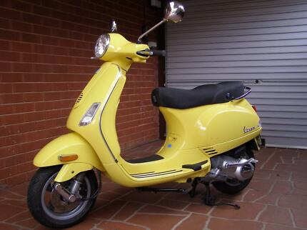 VESPA LX150 2007 in yellow Moorebank Liverpool Area Preview